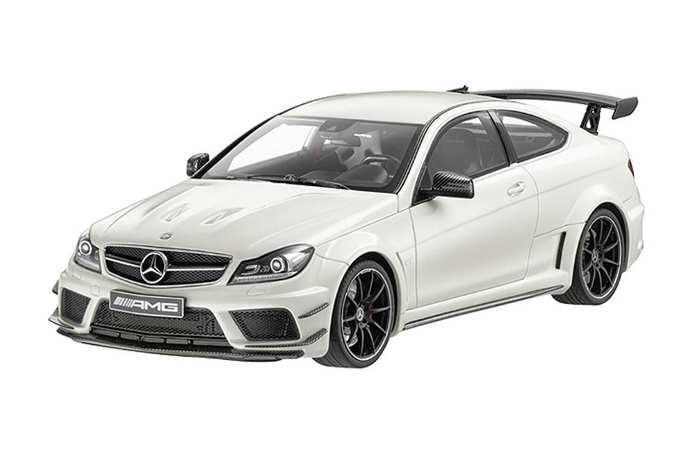mercedes c205 c63 amg coupe black series 2015 diamond white limited edition 1000 pcs. Black Bedroom Furniture Sets. Home Design Ideas