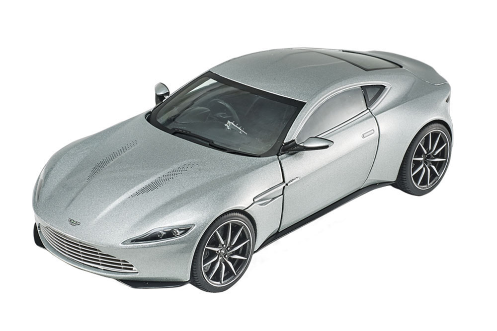 Aston Martin Db10 James Bond Spectre 2015 Silver