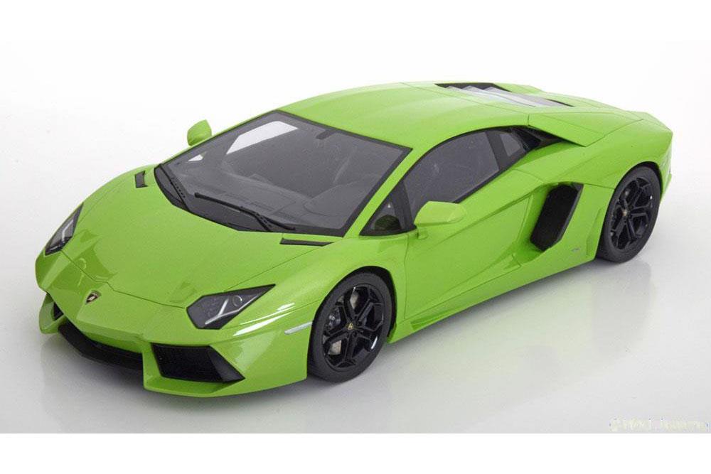 1:12 Kyosho Lamborghini Aventador LP700-4 lightgreen-metallic
