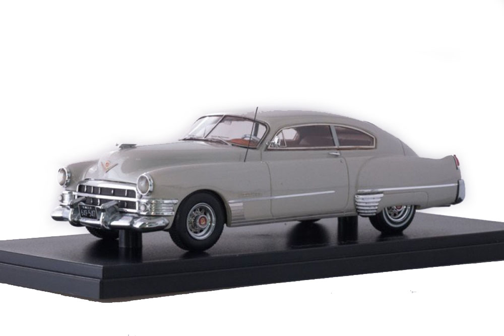 NEO NEO49547 1 43 CADILLAC SERIES 62 CLUB COUPE 1949 LIGHT GREY