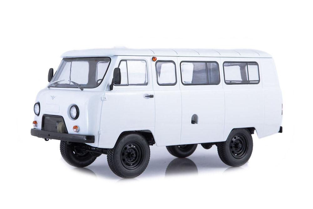 SSM ssm2005 1 18 UAZ 2206 (USSR Russian car) 1990 bianca