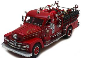 SEAGRAVE MODEL 750 FIRE TRUCK 1958 RED