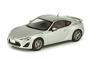 TOYOTA GT86 2012 SILVER