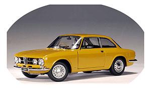 Alfa Romeo 1750 GTV RHD 1967 Ochre