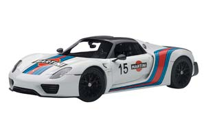 Porsche 918 Spyder Weissach Package 2013 White/Martini Livery