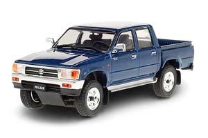 TOYOTA HILUX SR5 4X4 1997 METALLIC DARK BLUE