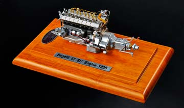 BUGATTI 57 SC 1935 ENGINE INCLUDING SHOWCASE *БУГАТТИ БУГАТИ