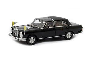 Mercedes W111 300 SEL 1963 blau Modellauto 940035200 Maxichamps 1:43
