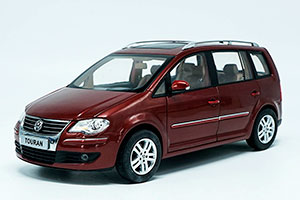 VW VOLKSWAGEN TOURAN 2009 RED