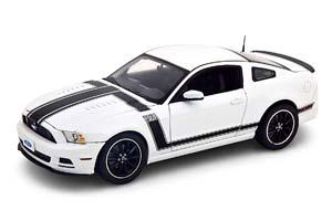 FORD MUSTANG BOSS 302 2013 WHITE BLACK