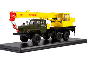 URAL 4320-31 CRANE KC-3574 GREEN/YELLOW (USSR RUSSIA TRUCK) | УРАЛ 4320-31 АВТОКРАН КС-3574 ИВАНОВЕЦ *УРАЛ УРАЛЬСКИЙ АВТОЗАВОД МИАССКИЙ