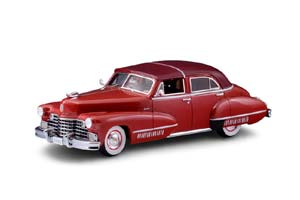 CADILLAC SIXTY SPECIAL TOWN BROUGHAM BY DERHAM (CLOSED) 1942 RED