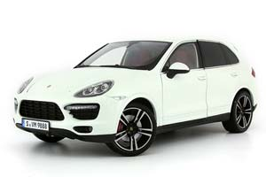 PORSCHE CAYENNE TURBO S 2015 WHITE